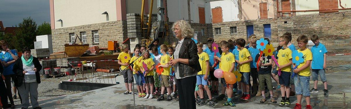 grundstein gelegt für neue grundschule : 08.06.2016, 21.01 uhr